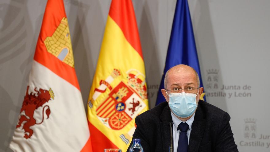 La Junta pide retrasar la segunda dosis para poner la primera a más población