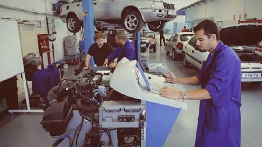 ¿Eres profesional del sector de la reparación de automóviles? Aprovecha este curso gratuito de Inyección Electrónica en Alicante