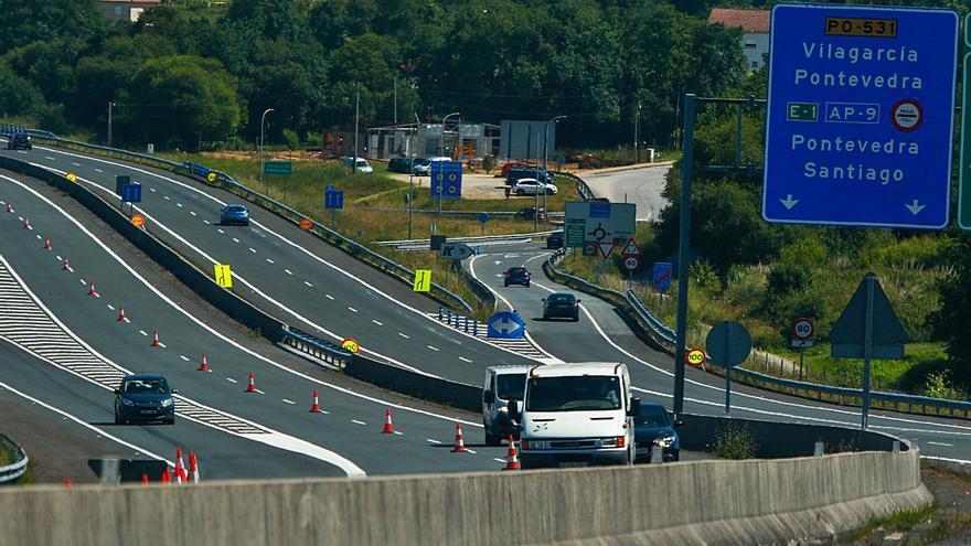 La Xunta corta un carril en la Autovía do Salnés