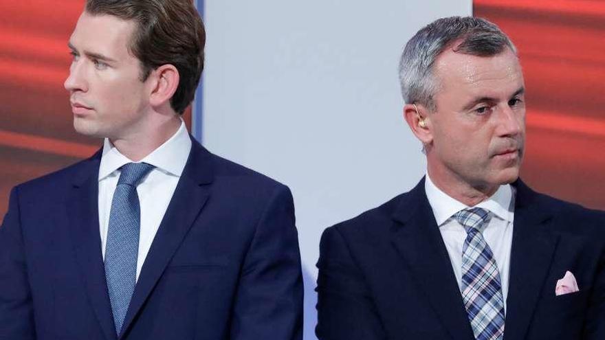 El conservador Kurz avasalla en Austria y puede elegir socio para gobernar