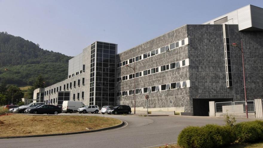 Un foco de covid-19 en el hospital de Riaño obliga a paralizar los ingresos en una planta