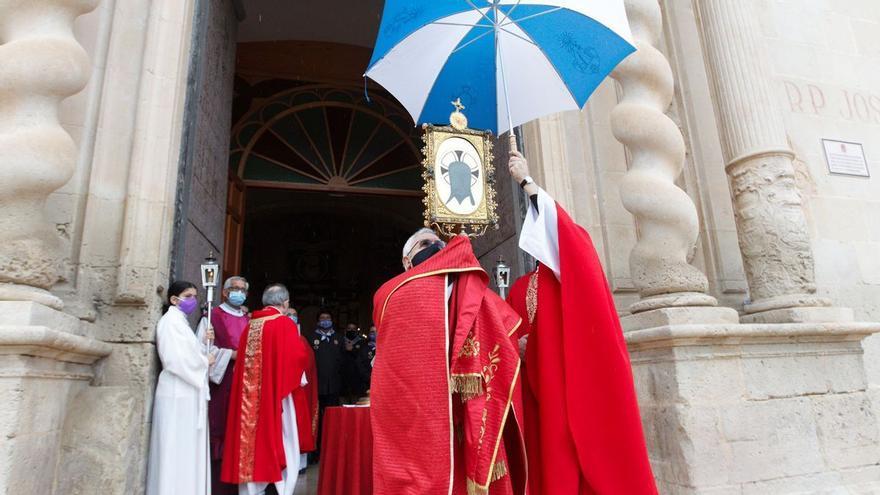 Sin bendición de Santa Faz desde el Castillo por la lluvia y con ruegos por la pandemia