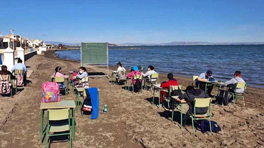 Apoyo a la candidatura del proyecto 'La playa es mi cole'