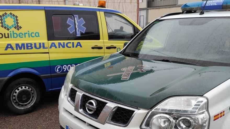 La Guardia Civil auxilia a una anciana en Pajares de la Lampreana