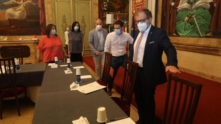 El presidente de la Diputación de Castelló guarda cuarentena por su contacto con un infectado