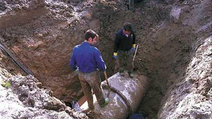 La rotura de una tubería obliga a cortar el suministro en alta en Mijas, Fuengirola y Benalmádena