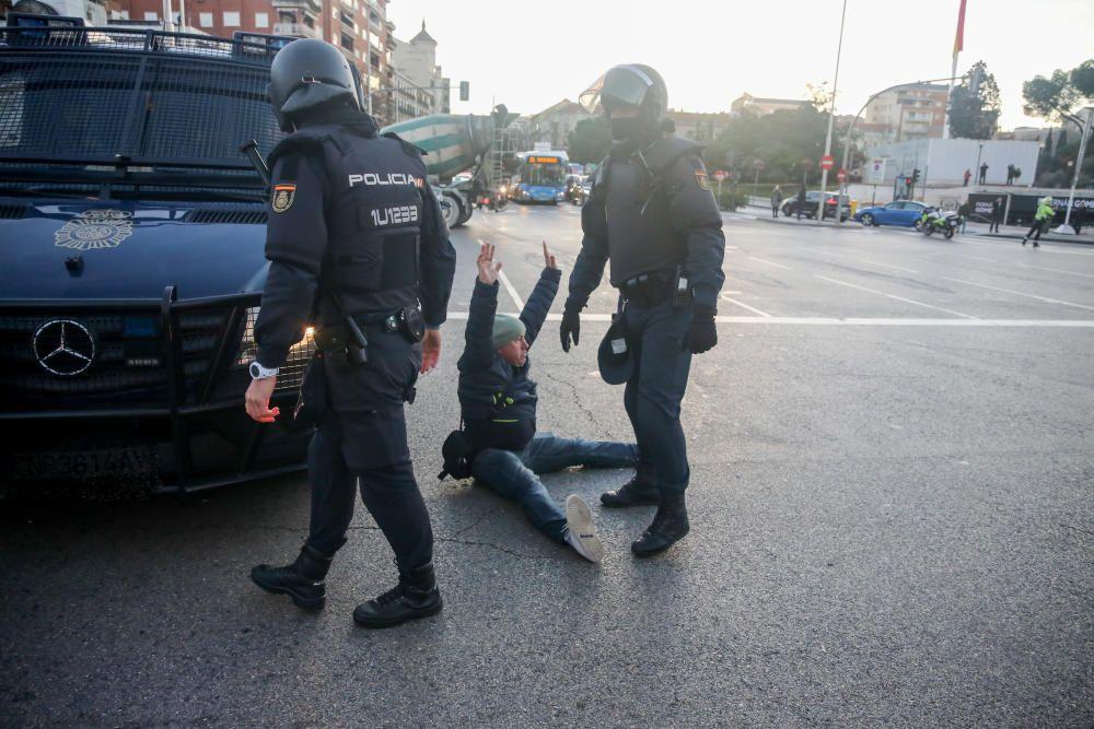 Dos agentes de la Policía Nacional pasan al ...