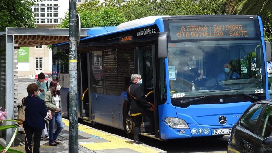La ocupación del transporte público interurbano descendió un 50% desde el inicio de la pandemia