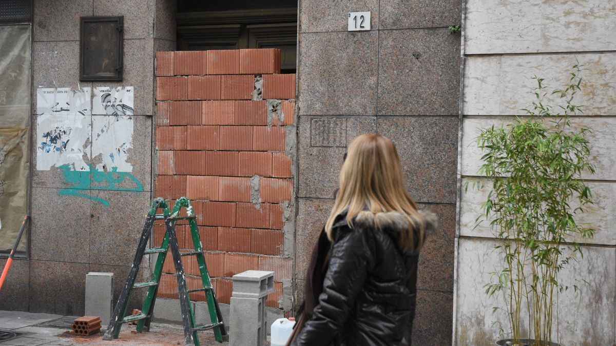 Desalojan el edificio okupa de la calle Langreo