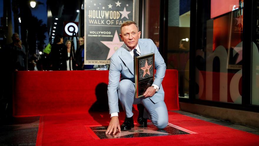 Daniel Craig celebra su estrella en el Paseo de la Fama en su despedida como James Bond
