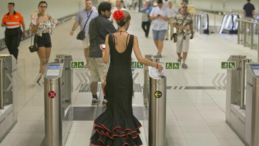 El metro transporta un 22% más de viajeros durante la Feria que el año anterior