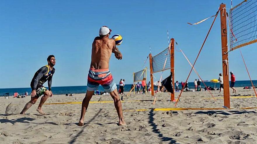 El voley playa amateur y profesional se da cita entre hoy y mañana en el Port