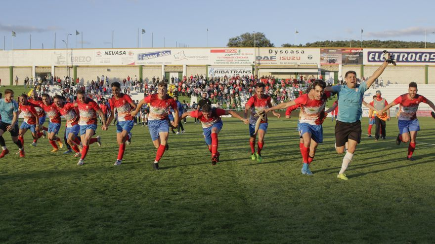 Jaraíz y Don Álvaro se jugarán el ascenso a Tercera RFEF
