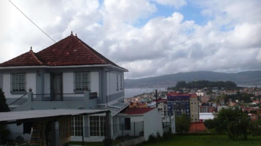 Entre estas casas en venta en Pontevedra, encontrarás una con un lago y un jardín de lo más especial