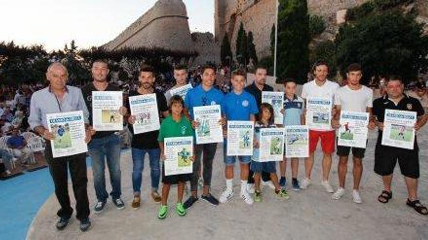 La Fiesta del Fútbol pitiuso reparte los premios de la temporada