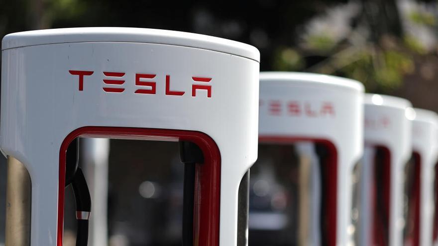 Tesla logra beneficios por cuarto trimestre consecutivo