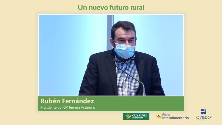 """Rubén Fernández, es el presidente de IGP Asturiana: """"Los jóvenes queremos quedarnos en el medio rural, y es muy importante el apoyo institucional"""""""