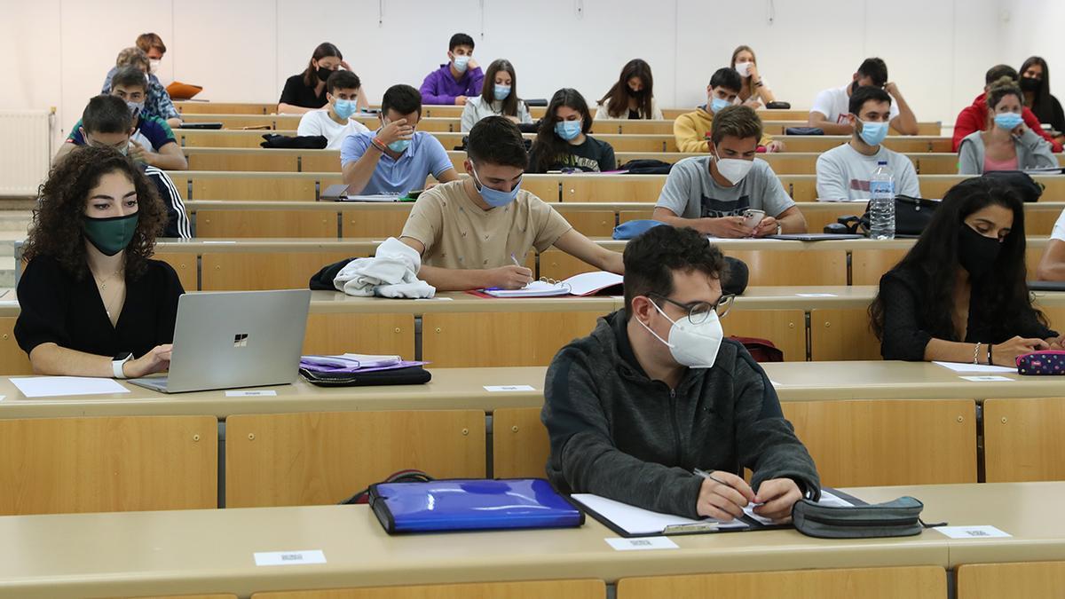 Estudiantes en un aula de la Universidad de Vigo