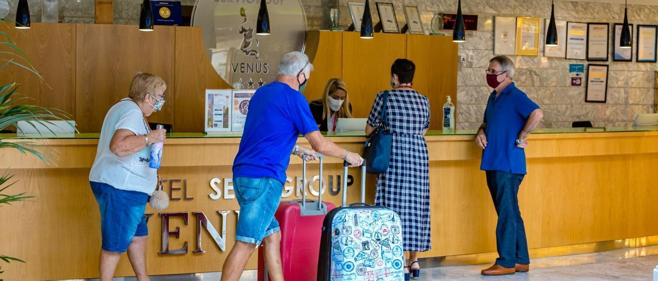 La llegada de visitantes a las localidades del litoral de la provincia