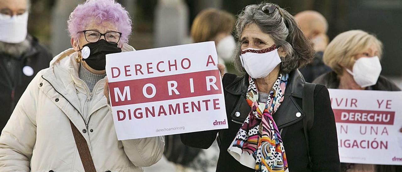 Manifestación en Oviedo en favor de la eutanasia en diciembre del año pasado. | Irma Collín