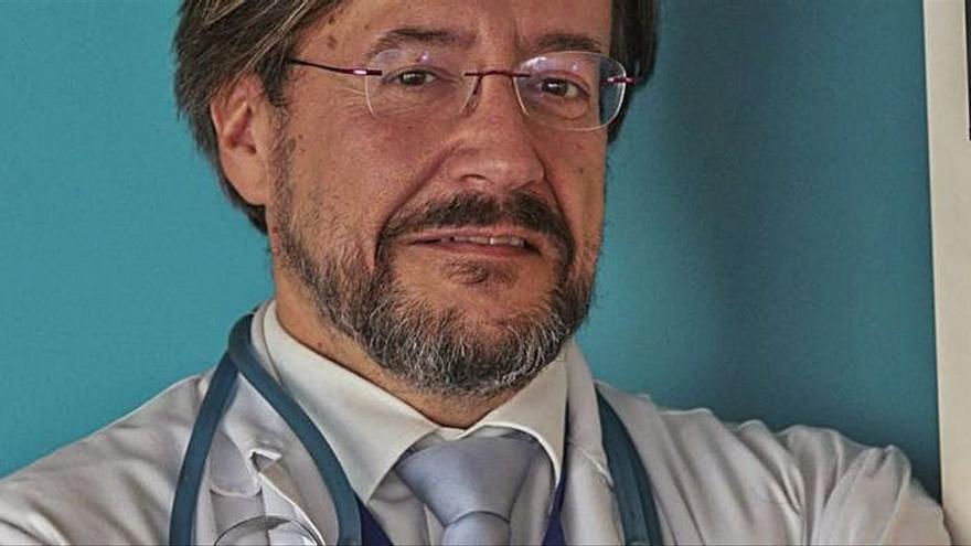Álvaro Rodríguez- Lescure, presidente de la Sociedad Española de Oncología Médica:  «El retraso de la maternidad hace que aumenten los casos de cáncer en menores de 40»