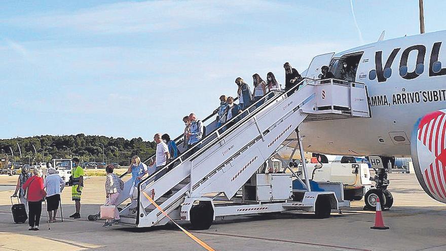 Primer vuelo de la nueva ruta nacional del aeropuerto de Castellón