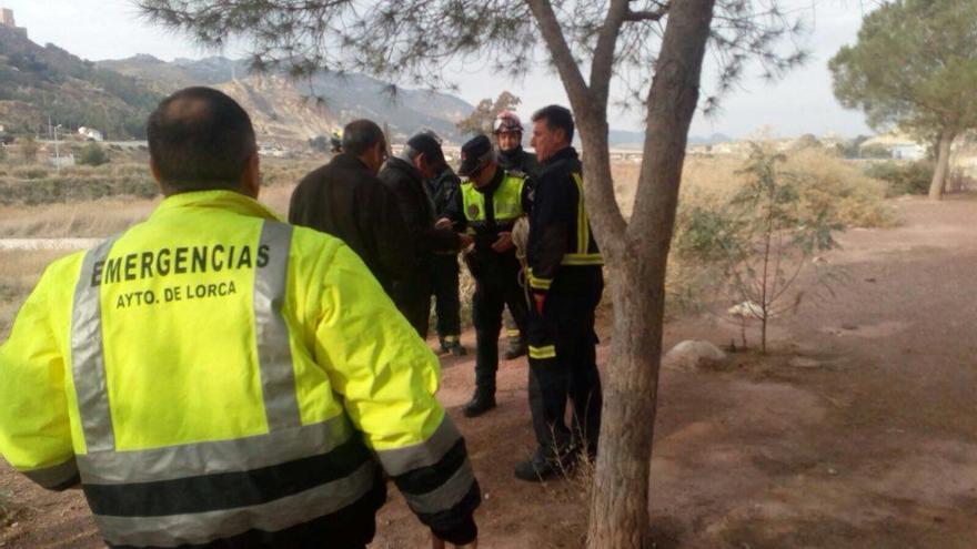 Cae por un desnivel de cuatro metros en Lorca