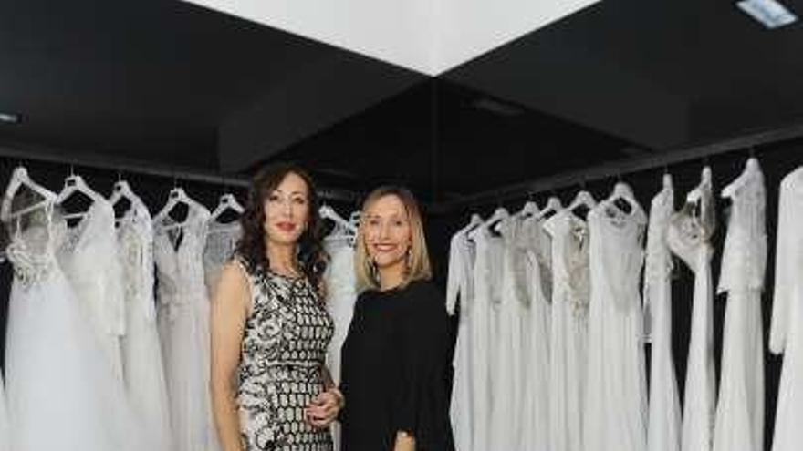 Rosa Clará celebra un 'showroom' sobre bodas en su establecimiento de A Coruña
