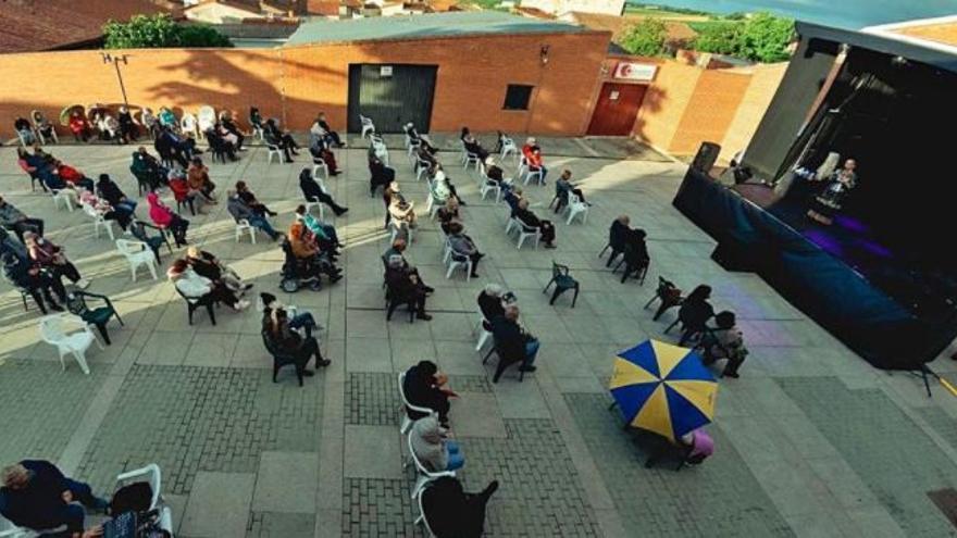 Morales del Vino anima las noches con conciertos gratis en la Plaza Mayor