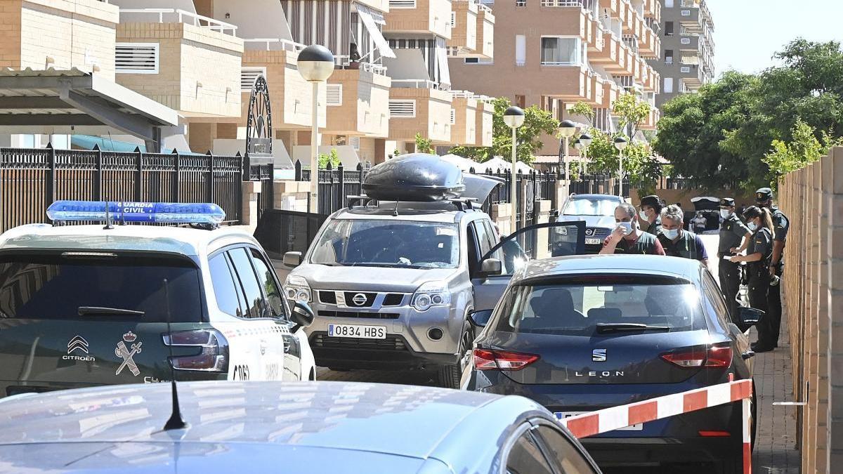 Un hombre mata a su hijo, acuchilla a su hija y se suicida en la Ribera de Cabanes