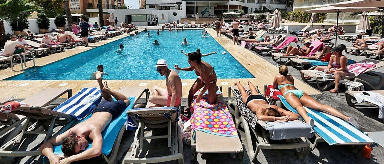 La estancia de los clientes en las piscinas de los hoteles será diferente.