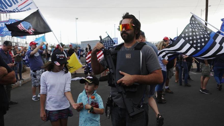 Tensión en Arizona con milicias armadas supremacistas