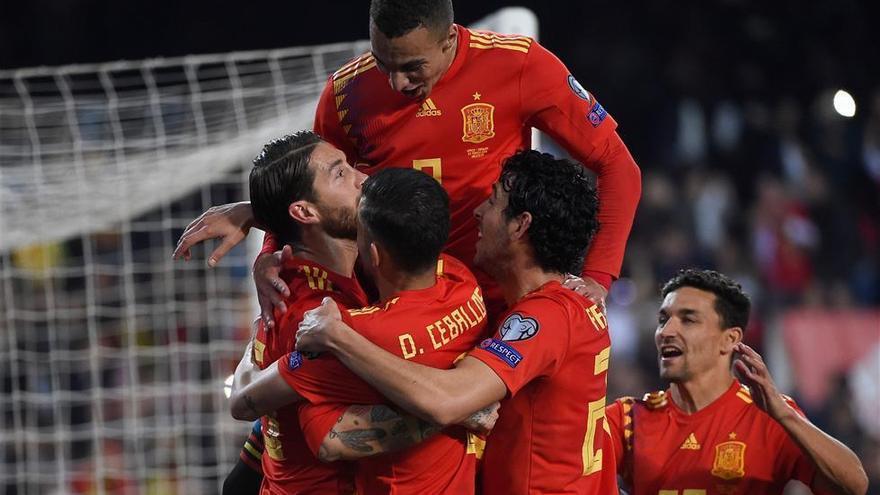 España obtiene tres puntos sufridos en un partido que mereció más (2-1)