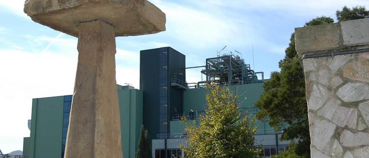 Instalaciones de Du Pont en el valle de Tamón.