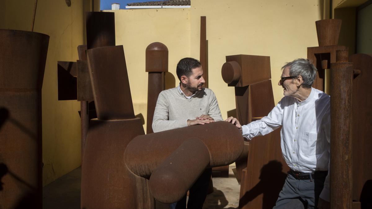 Miquel Navarro abre las puertas de su taller a Levante-EMV para mostrar la futura sede de la fundación que lleva su nombre,