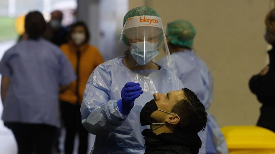 Los datos comienzan a dar un respiro en Asturias tras la semana más dura: 141 positivos y ocho fallecimientos