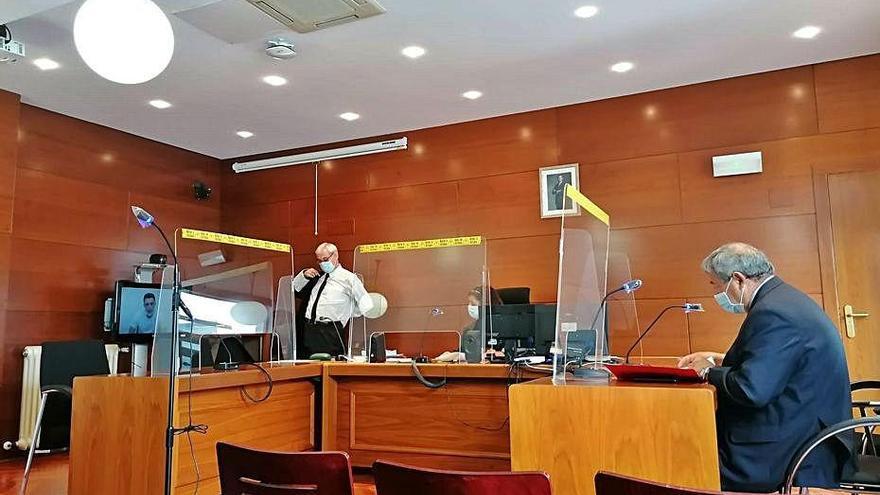 Un conductor ebrio causa 4.200 euros en daños a un turismo en Zamora