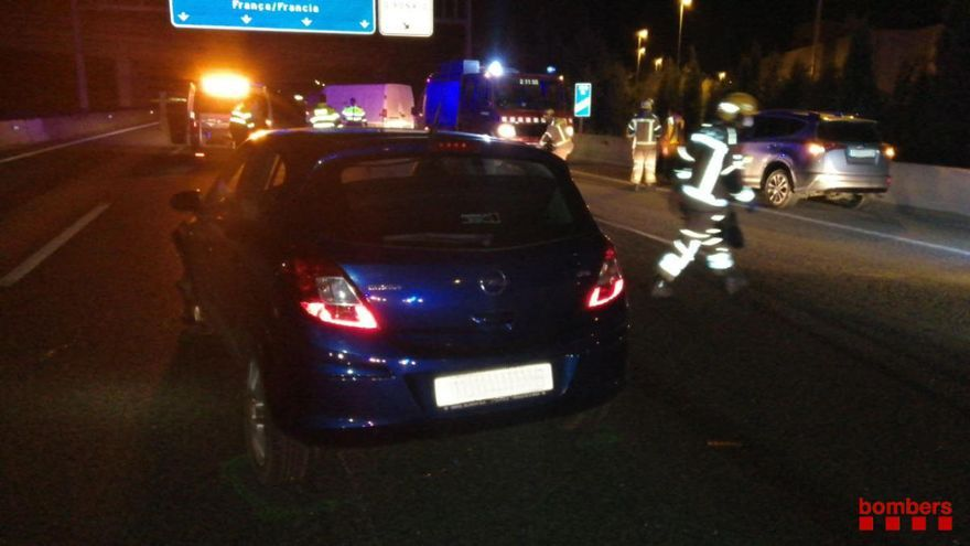 Un accident amb sis vehicles implicats a Sant Gregori acaba sense ferits