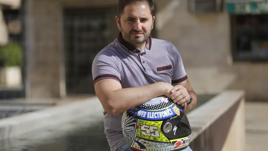 """Héctor Faubel: """"El amor por las motos crea un vínculo padre-hijo que es único"""""""