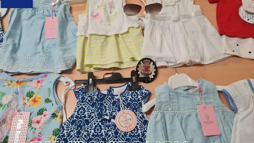 Detenido por robar unas gafas de sol y ropa infantil en tiendas del barrio del Carmen
