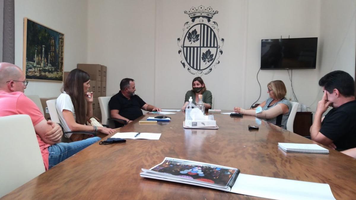 Reunió a l'Ajuntament de Comerç Figueres amb l'alcaldessa.