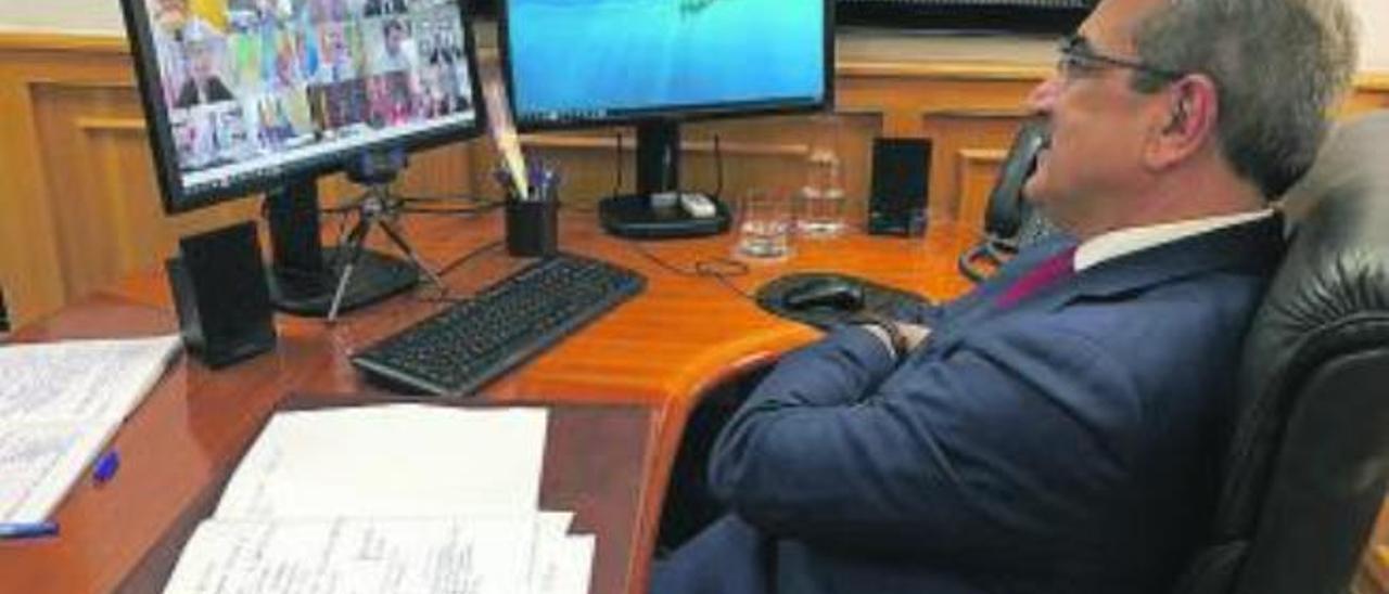 Rodríguez desde su despacho la sectorial de Hacienda.