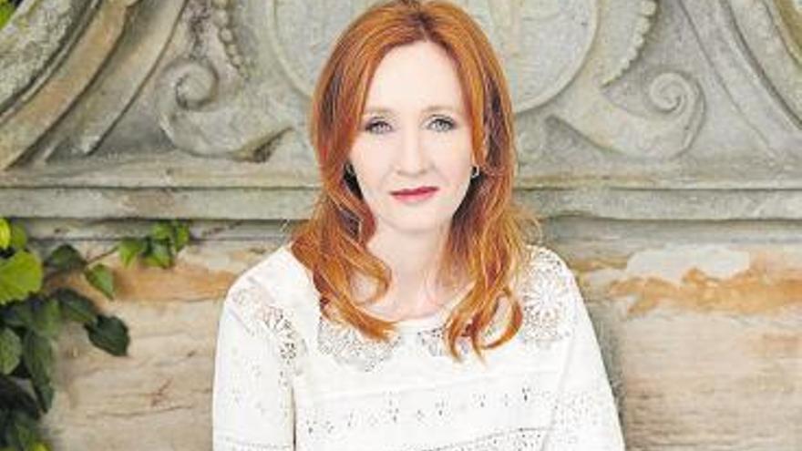 Rowling irrita de nuevo al colectivo transexual