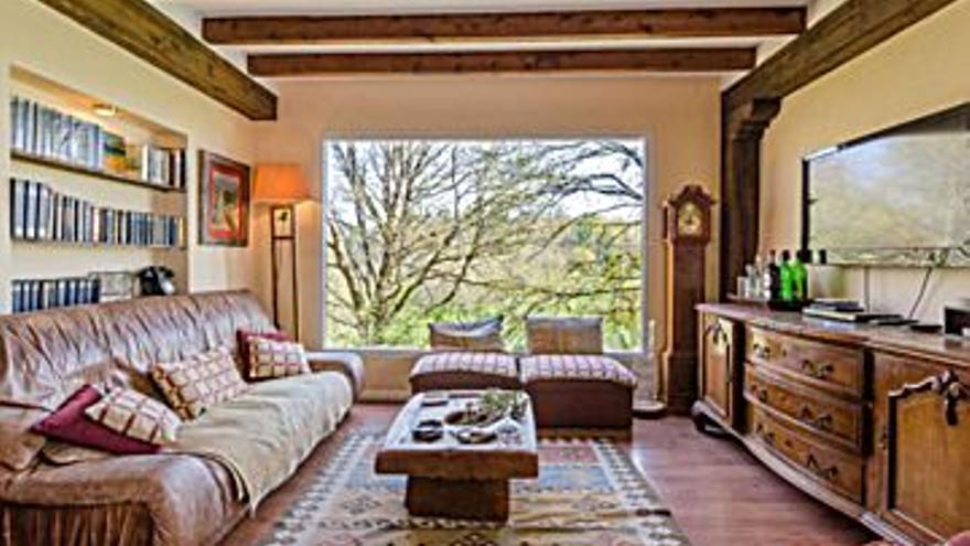 219.000 € Venta de casa en Escamplero (Las Regueras) 200 m2, 4 habitaciones, 3 baños, 1.095 €/m2, 0 Planta...