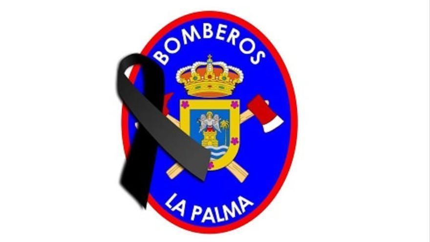 Lazo negro de los Bomberos de La Palma por los familiares fallecidos esta madrugada