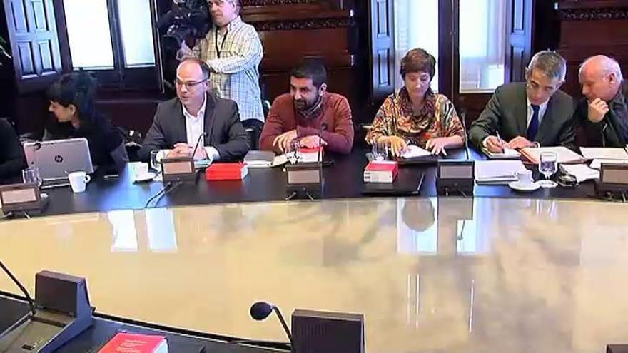 El Parlament catalán da luz verde a la reforma exprés para romper con España