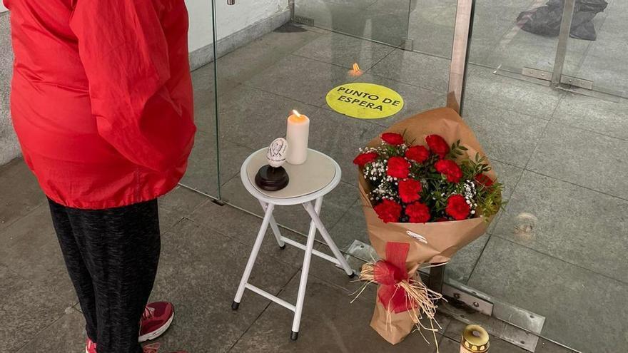 El recuerdo de Amador volvió a su puesto de los martes en la plaza de la Pola