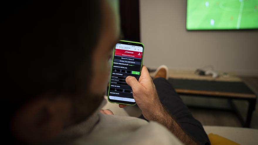 Las webs de juego online mostrarán el teléfono de ayuda a la ludopatía