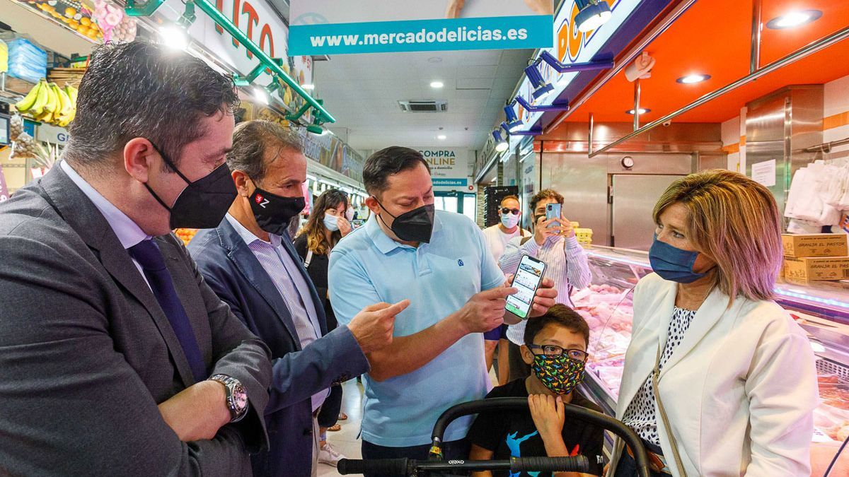 Presentación de Comer para crecer, en el Mercado Delicias.
