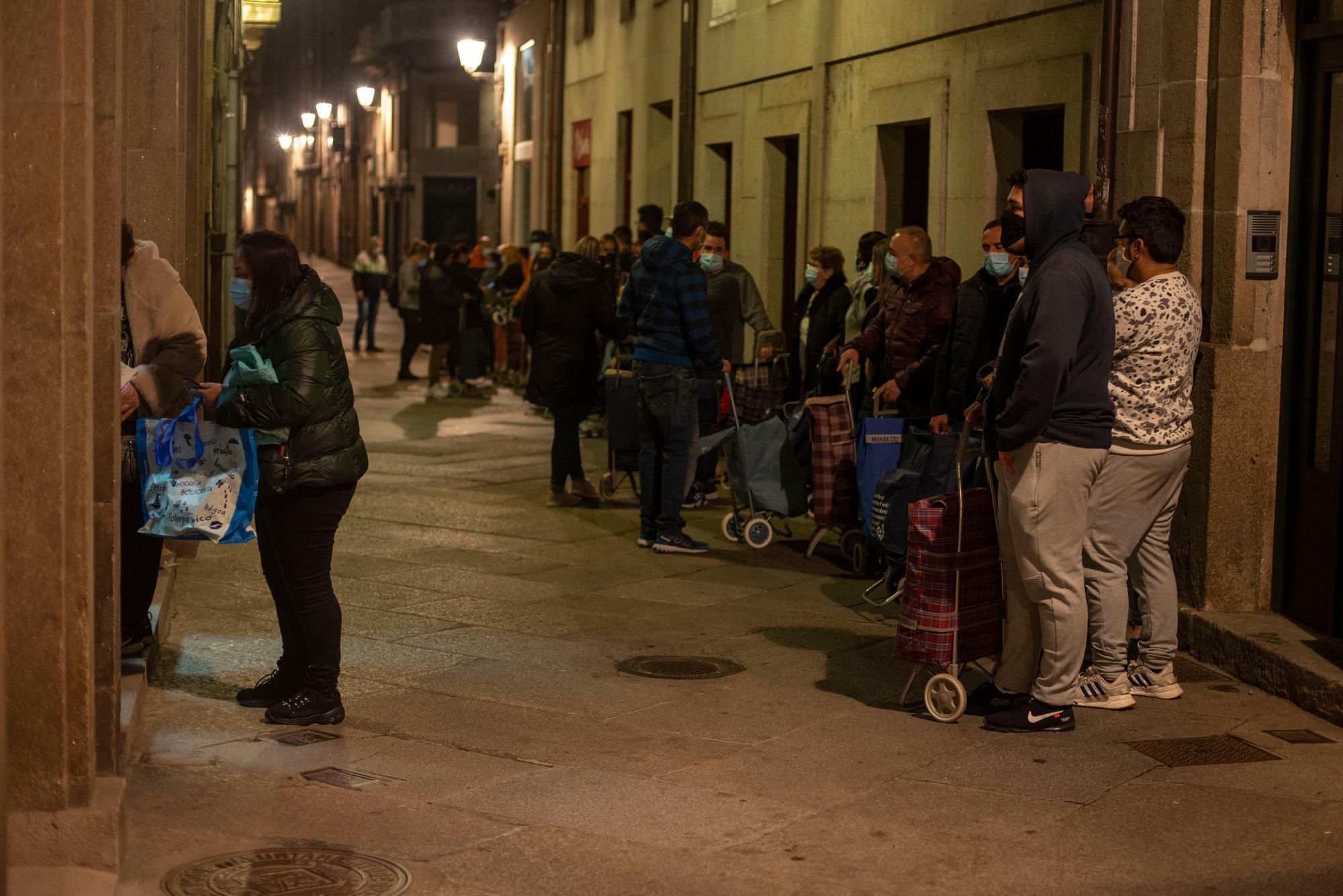 Las colas del hambre, también en Ourense